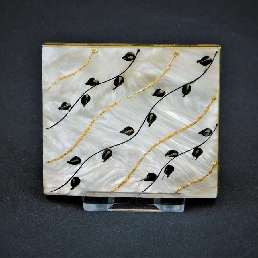 1950's Powder Compact with Lucite top